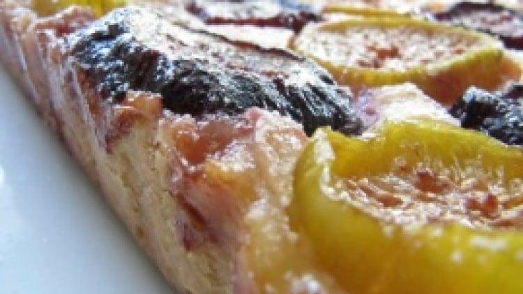 Crostata di fichi con crema ai due formaggi