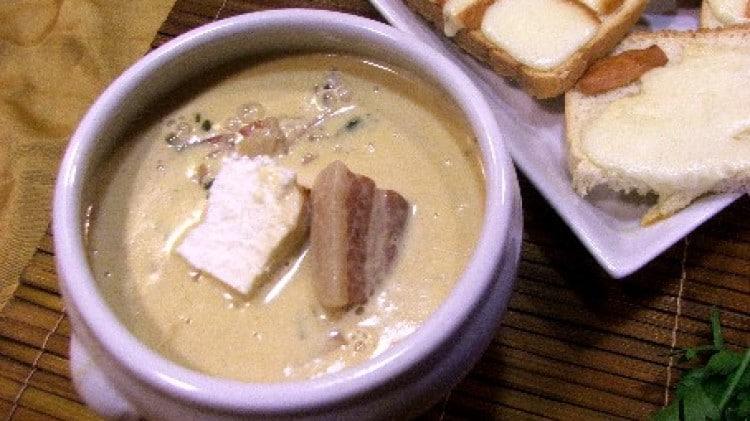 Zuppa piccante di funghi