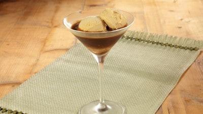 Gelato cappuccino affogato al caffè