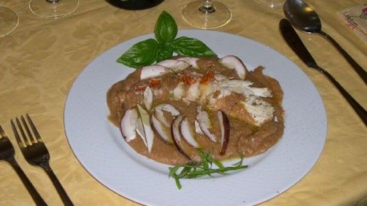 Crema di fagioli con aragosta, basilico e porcini