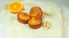 Muffins al succo d'arancia e mandorle