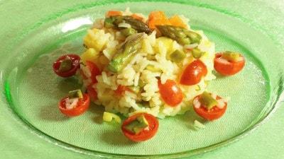 Insalata di riso con asparagi