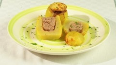 Patate farcite con salsiccia