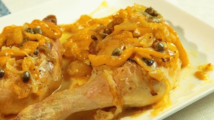 Pollo con peperoni e capperi