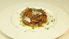 Tortellini di castagne ripieni di cinghiale e sugo di porcini