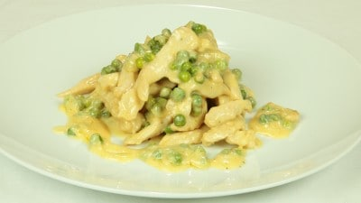 Filetto di pollo con i piselli