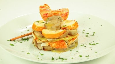 Millefoglie di patate, porcini e aragosta