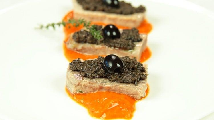 Tagliata di tonno e crema di peperoni