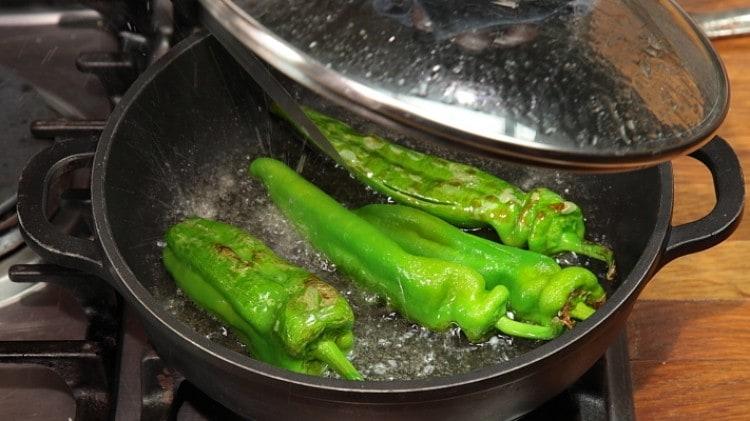 Peperoncini verdi dolci fritti