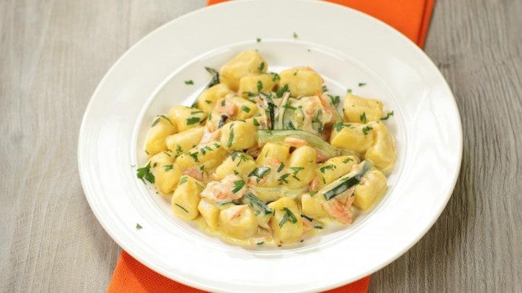 Gnocchi zucchine e salmone