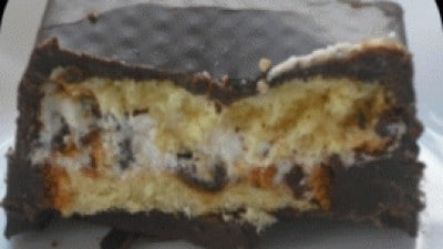 Pirottini croccanti di cioccolato dal cuore morbido di colomba e crema di ricotta