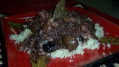Couscous di pollo con datteri e olive