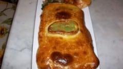 Pizza ripiena di asparagi e pancetta
