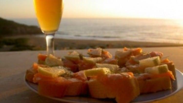 Crostini con salmone al profumo di limone e finocchietto selvatico